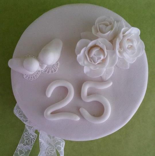 cupcakes 25 jaar getrouwd taart 25 jaar getrouwd   dubbelhandig cupcakes 25 jaar getrouwd
