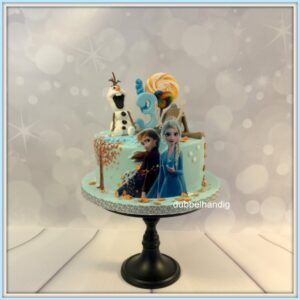 taart frozen2 anna-elsa-olaf-sven-snoep