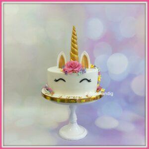 taart unicorn met bloemen