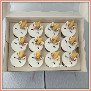 (mini) cupcakes unicorn geboetseerd