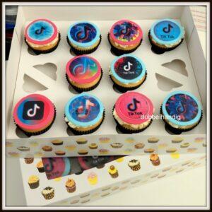 cupcakes tiktok zwarte cup
