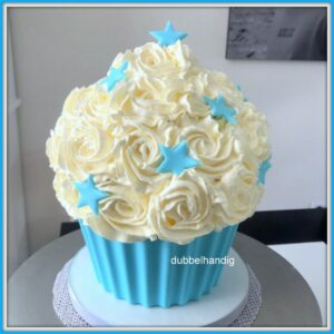 giant cupcake babyblauw met sterren